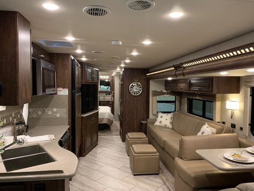 2020 BAY STAR 3609 SENECA AND CALYPSO MAPLE